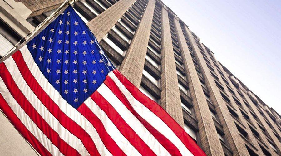 美国经济直线衰退